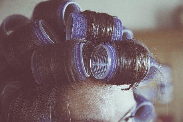 natáčky ve vlasech