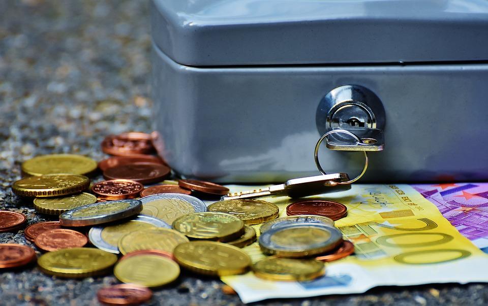 trezorek s penězi